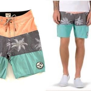 Vans Off The Wall Psych Panel Boardshorts NWOTs